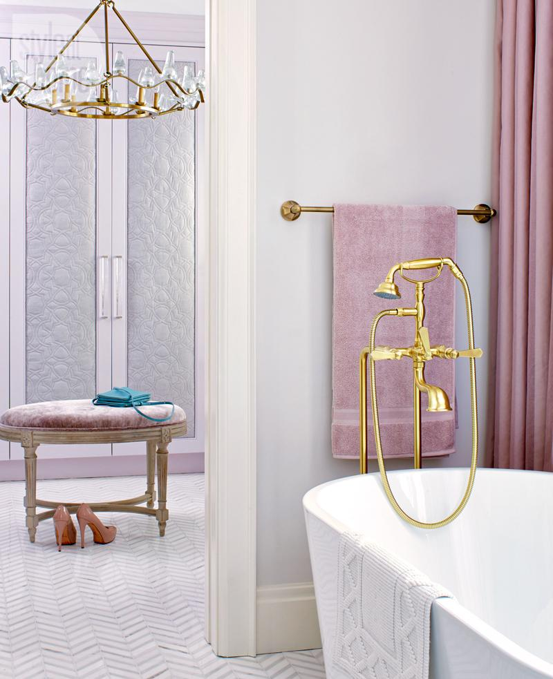 Tara Fingold bathroom