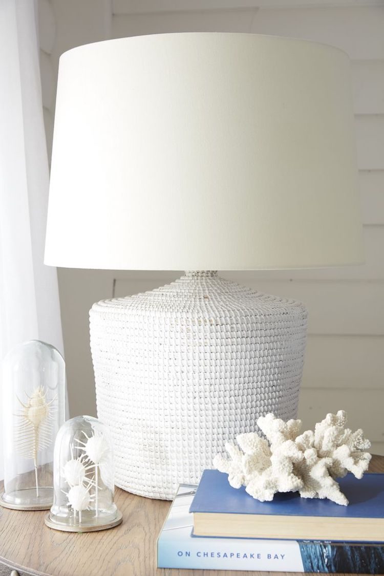 Textured thick white table lamp