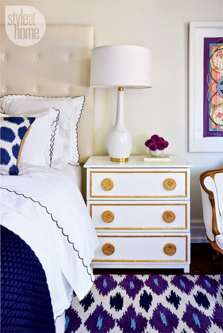 White table lamp with blue decor