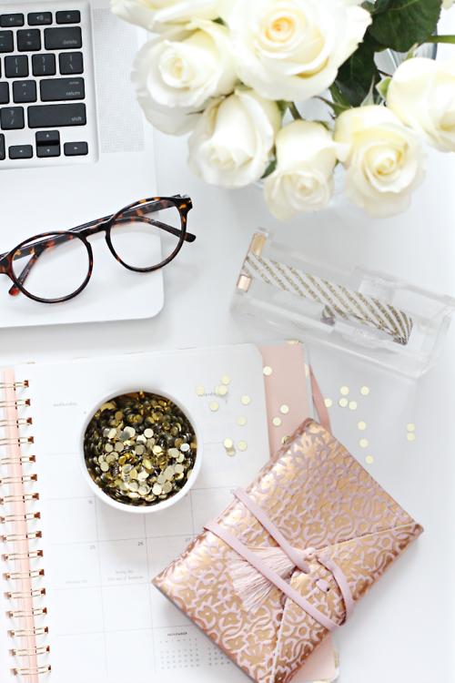 white flowers with calendar desktop
