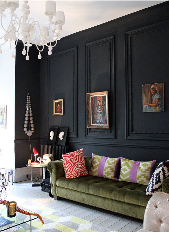 28 Ideas For Black Wall Interior Styling: room with black walls