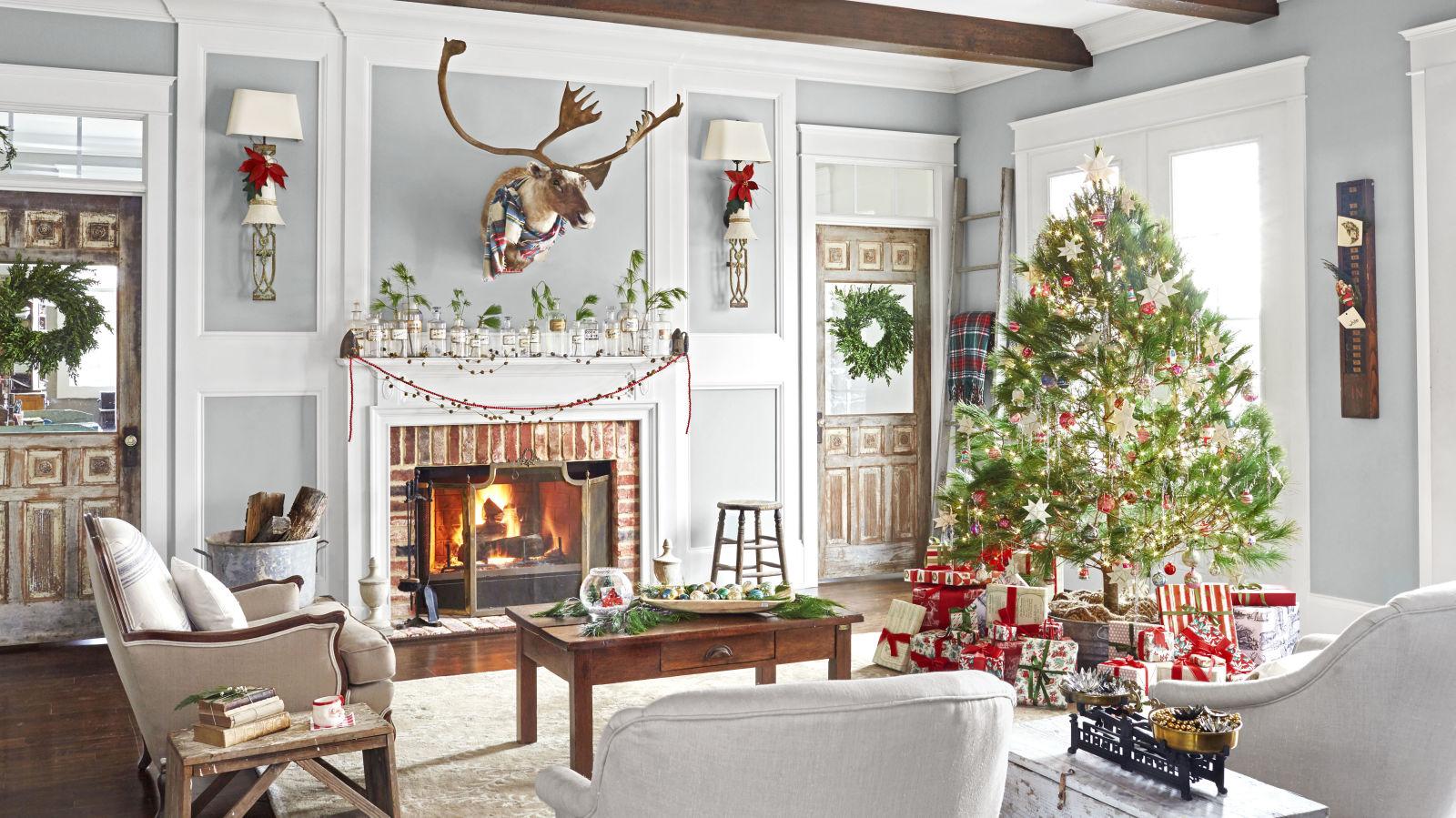 Christmas Home Tour via Country Living