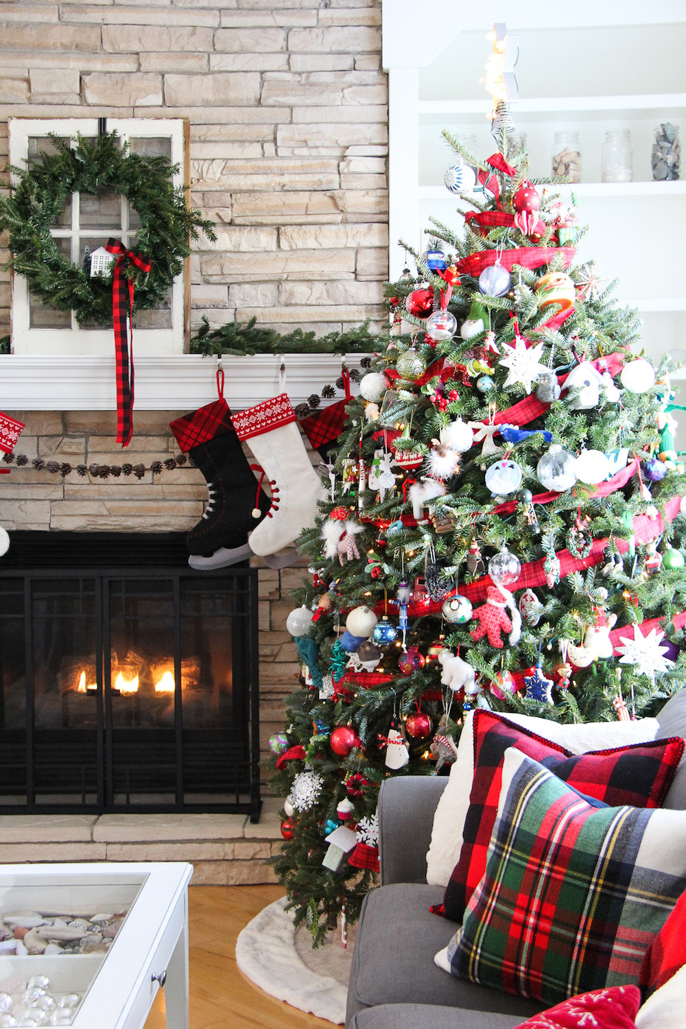 10 Incredible Christmas Home Tours To Inspire You!