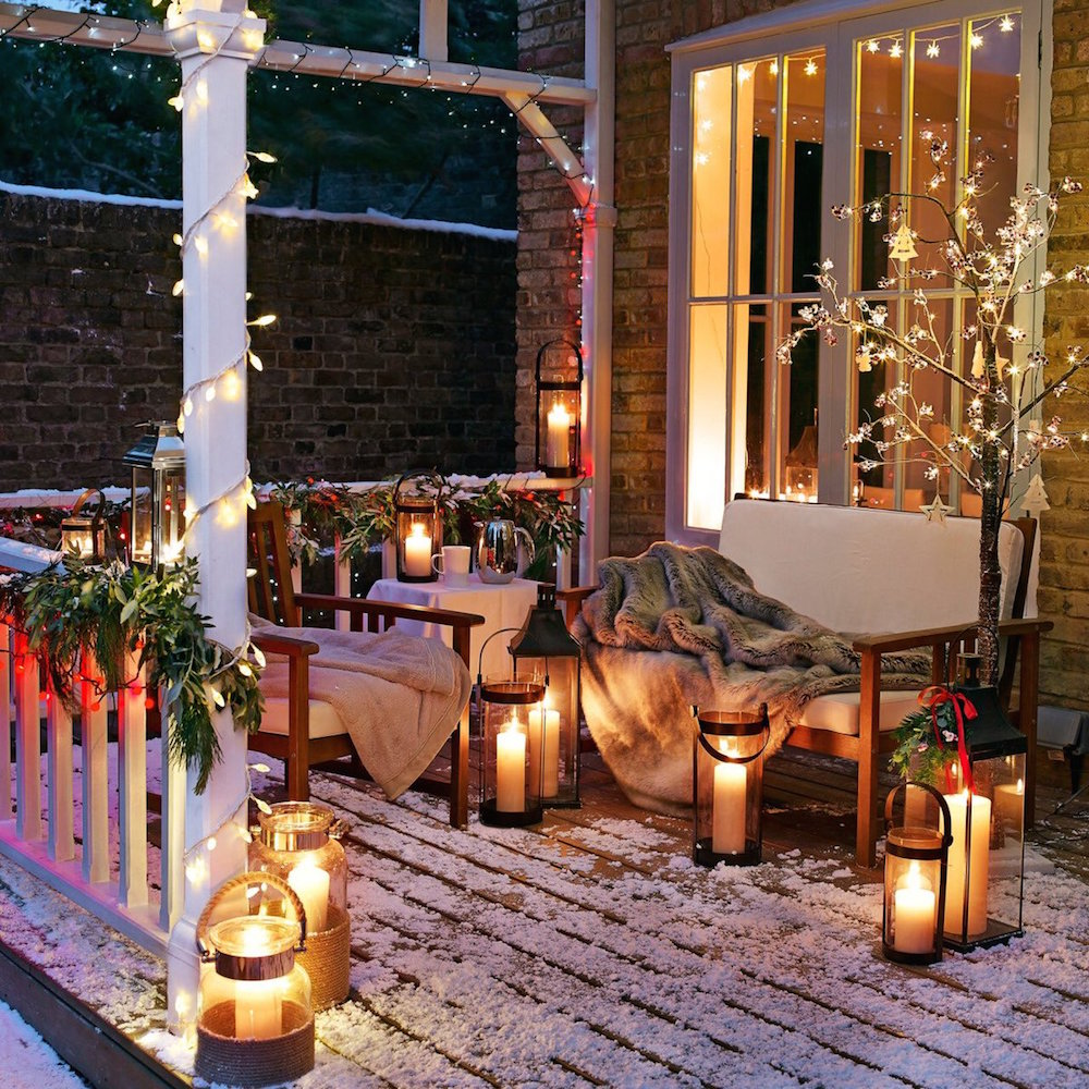 Cozy Christmas Front Porch