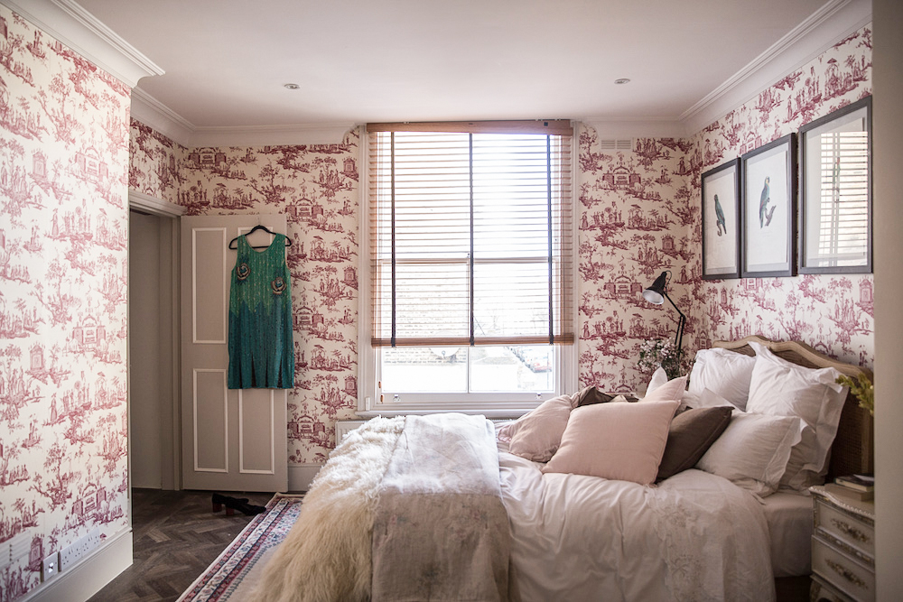 French toile wallpaper in London bedroom