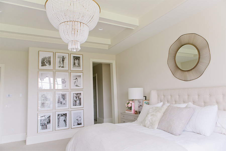 Bedroom via Emily Jackson / The Ivory Lane