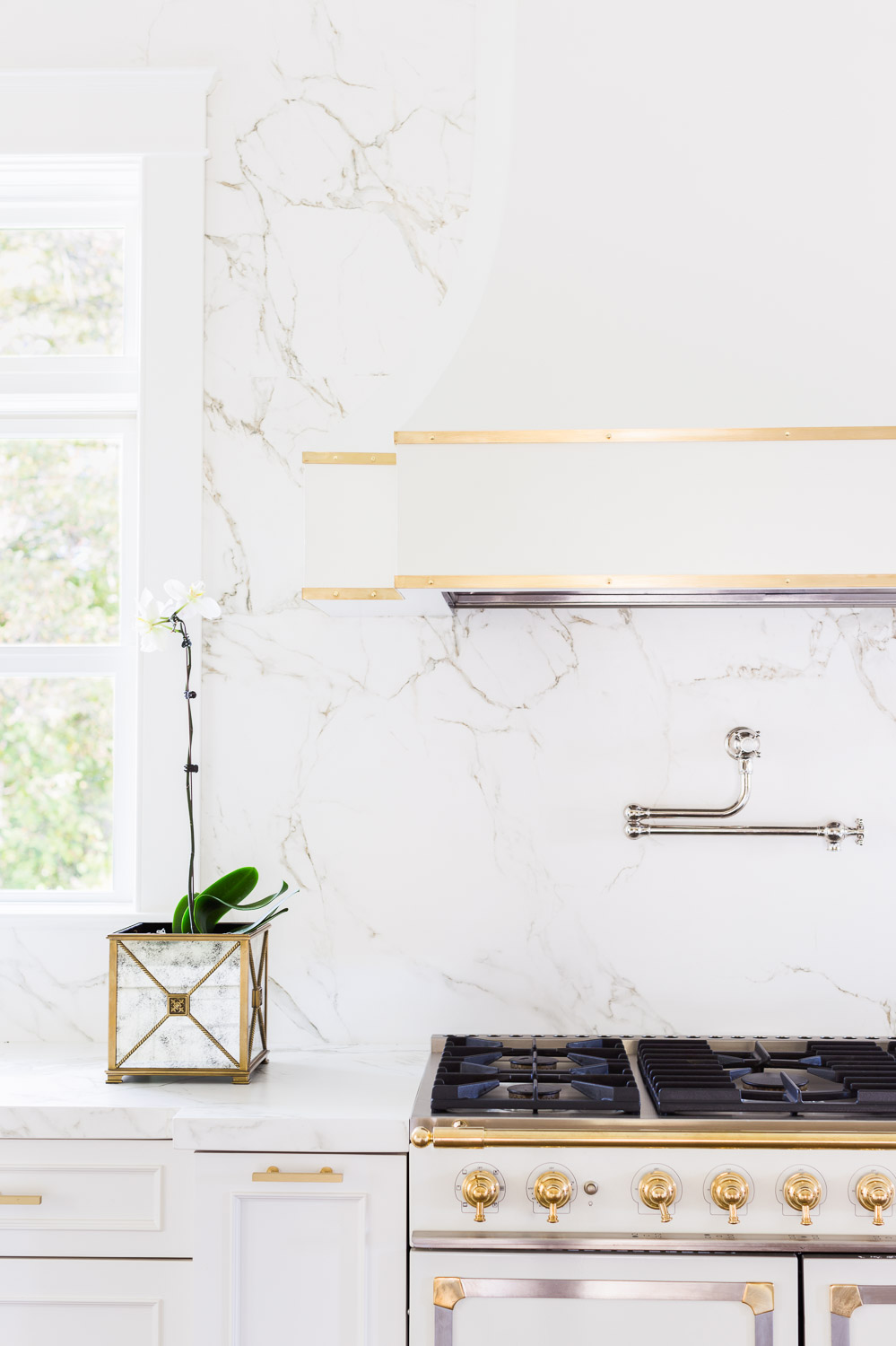 Laura Burleson Designs The Perfect White Amp Gold Kitchen