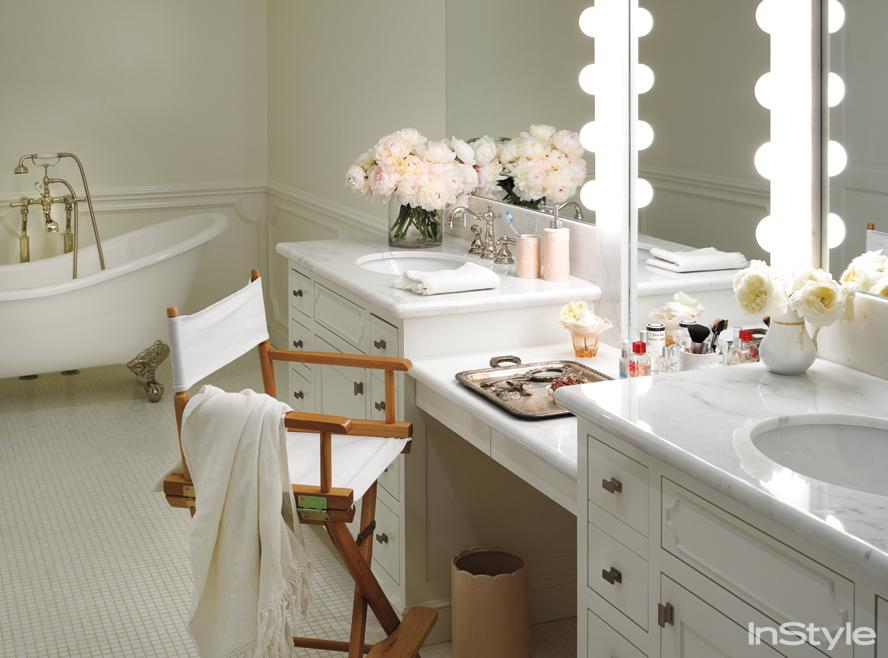 Lauren Conrad's Vanity and bathtub