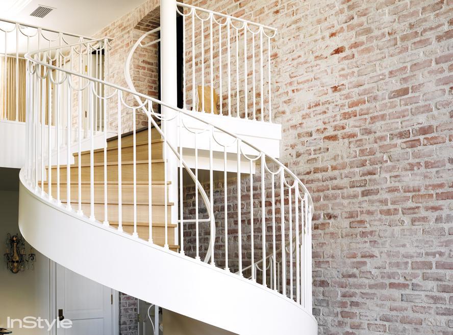 Lauren Conrad's spiral staircase