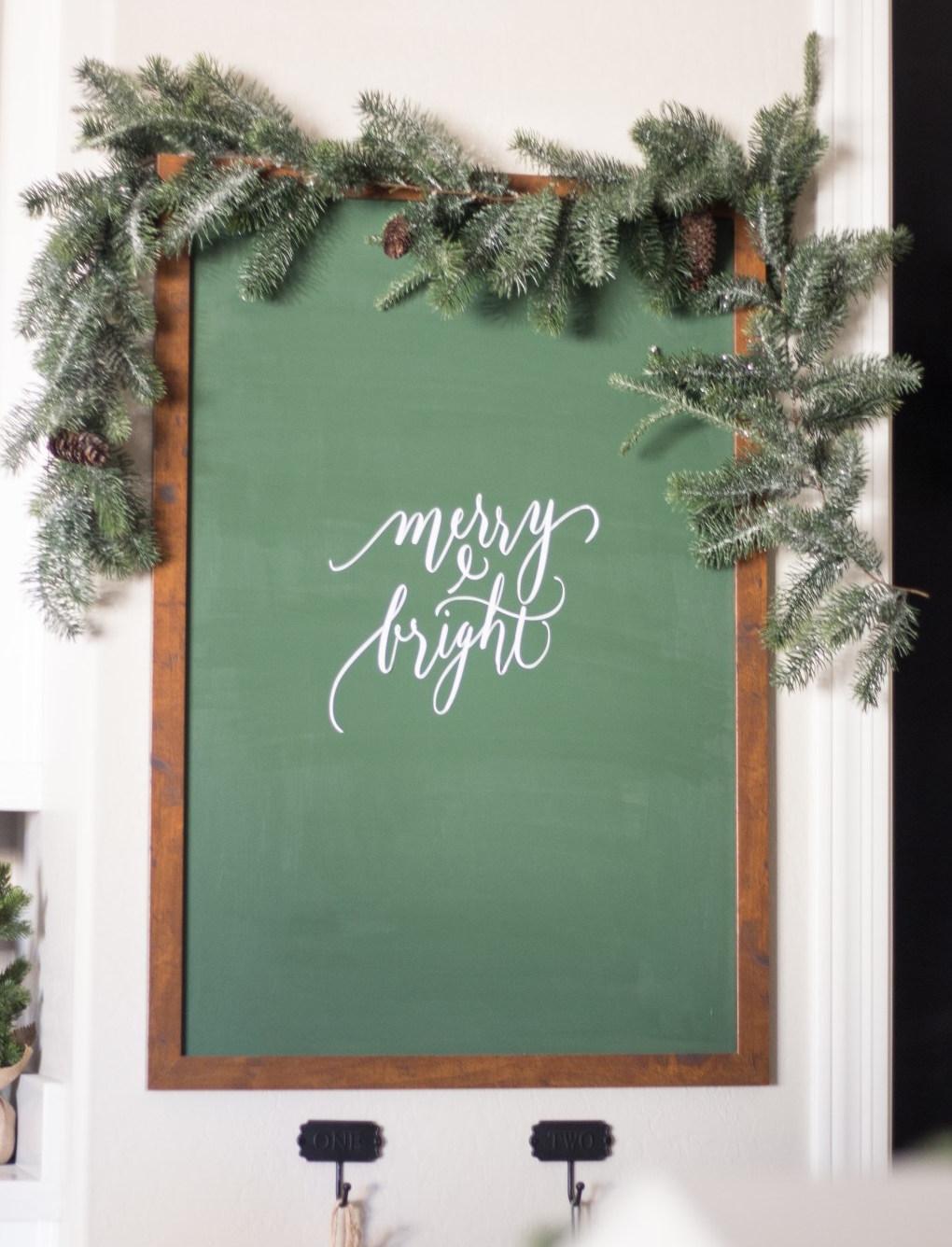 Merry & Bright Chalkboard via justdestinymag.com