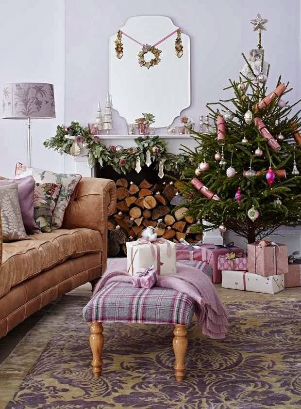 Pink Christmas Tree Living Room