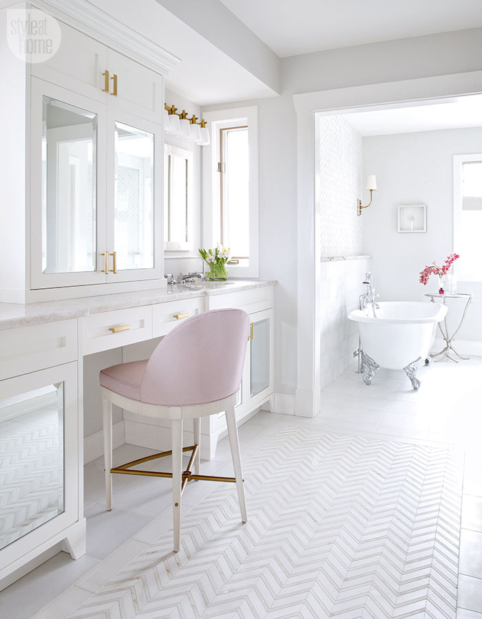 A feminine glamorous pink and white bathroom for White and pink bathroom ideas