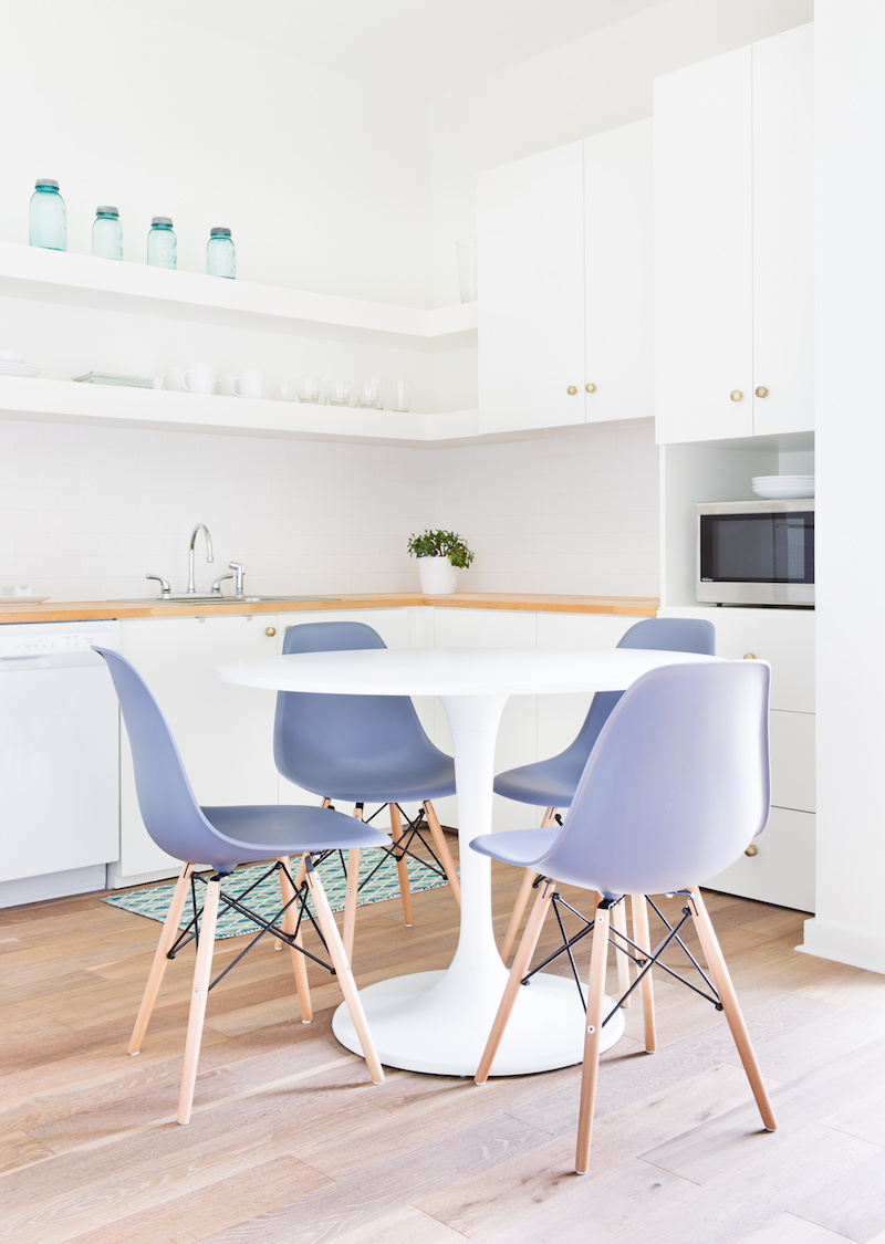 Claire Zinnecker Dining room with pastel purple chairs