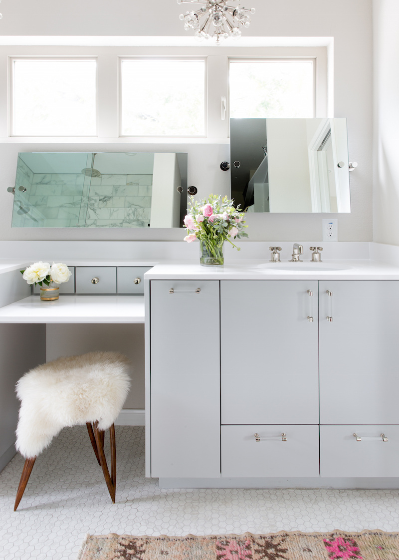 Claire Zinnecker Fur stool in a White bathroom