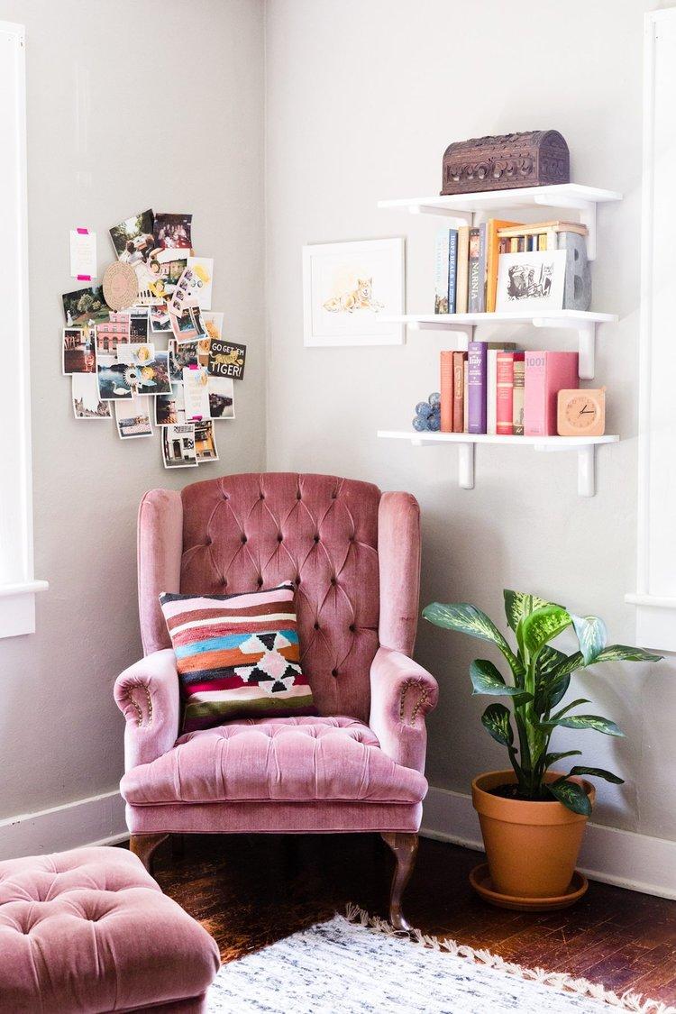 Pink Tufted Velvet Chair