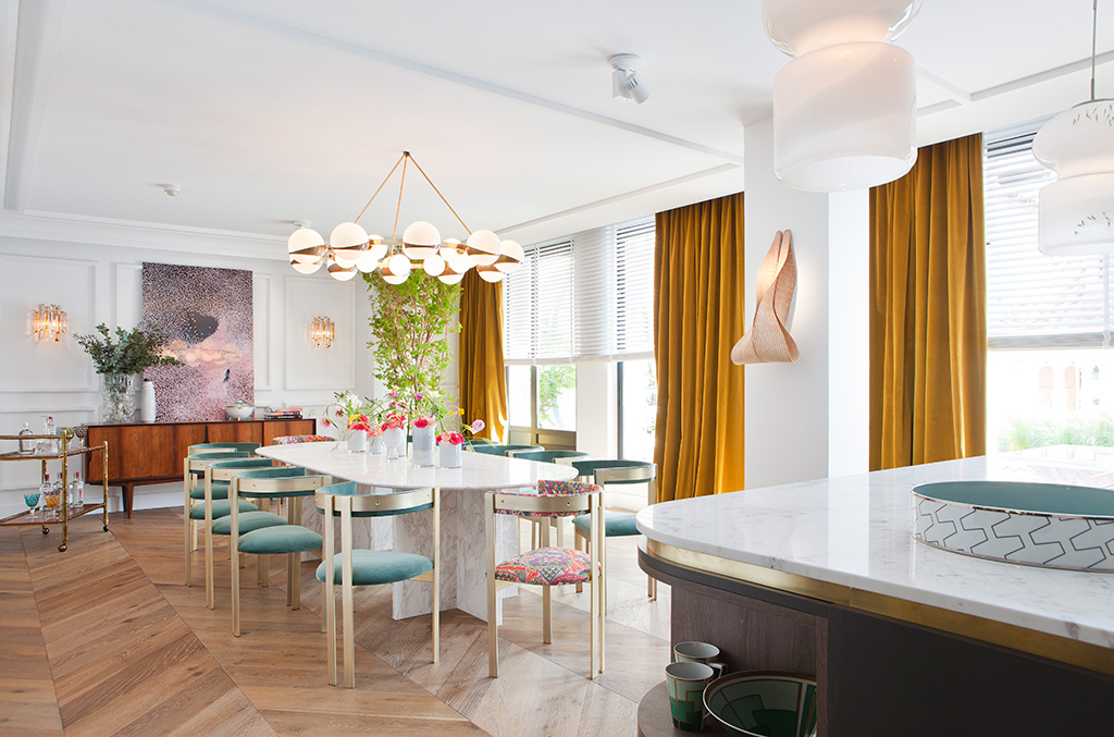 Dining Room design by Kitchen with marble island, cactus and old painting, design by Beatriz Silveira