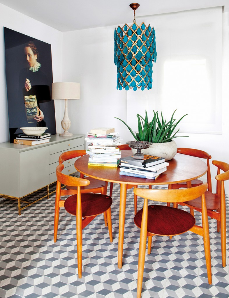 Mid-century modern dining room design by Beatriz Silveira