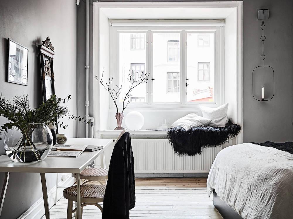 Scandinavian desk in bedroom