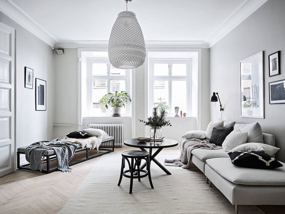 An Airy and Bright Scandinavian Apartment in Gray & Black