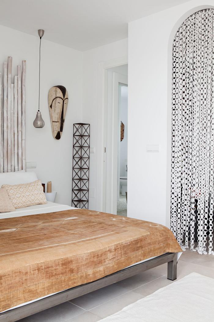 Mediterranean neutral bedroom via Home Adore