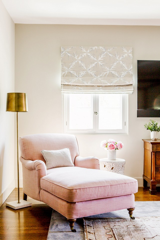 Pink chaise lounge in living room