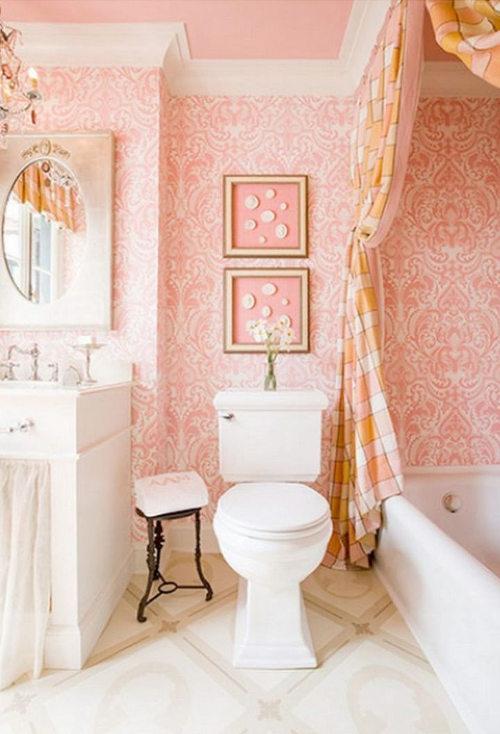 Pink patterned wallpaper in bathroom