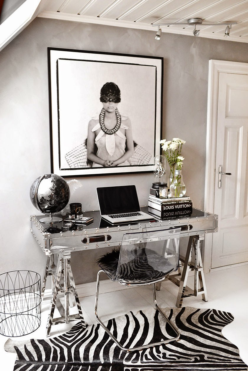 Silver flight desk with ghost chair