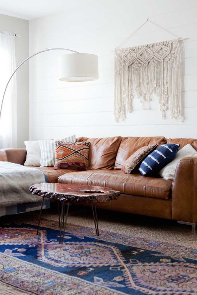 10 Beautiful Brown Leather Sofas, What Colours Go With Chocolate Brown Leather Sofas