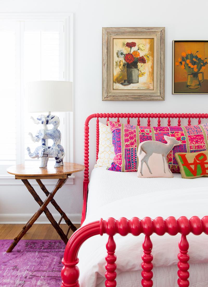 Elephant lamp in bedroom