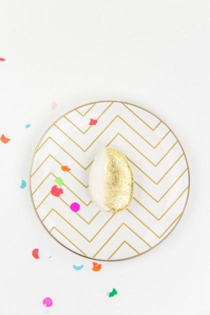 Gold painted easter egg via sugarandcloth