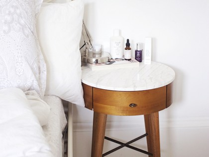 30 Perfect White Marble Side Tables We Really Want!
