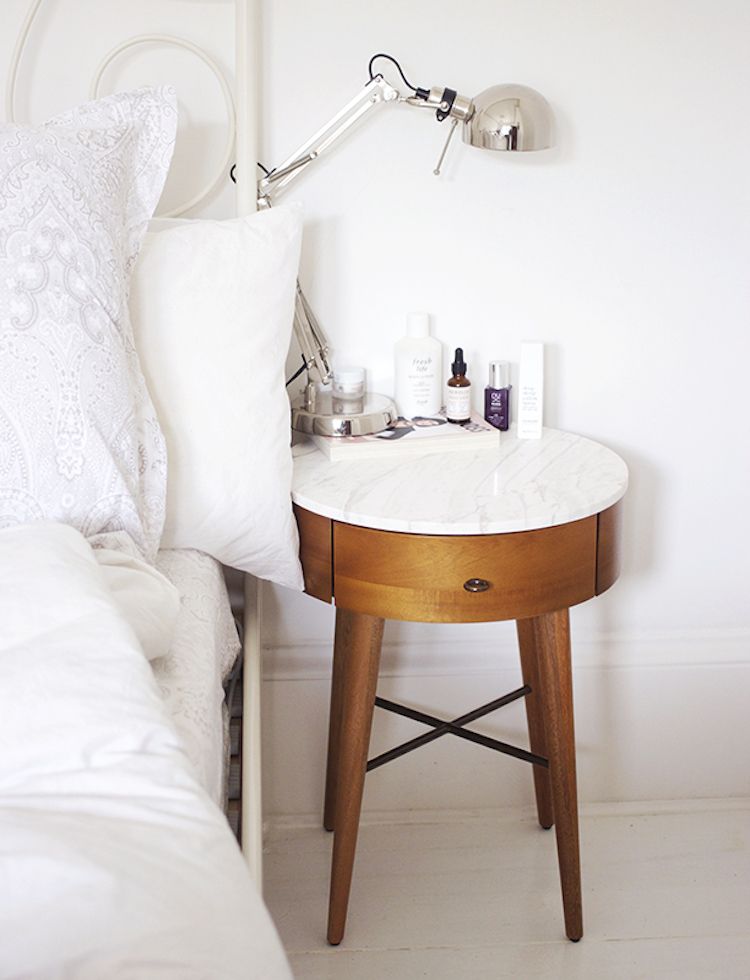 16 Perfect White Marble Side Tables We Really Want!