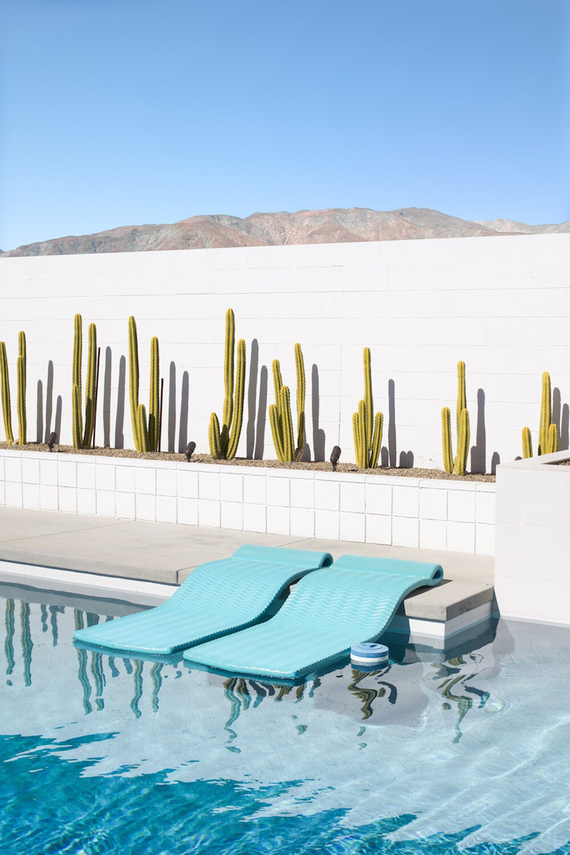 Palm Springs turquoise floating pool mats