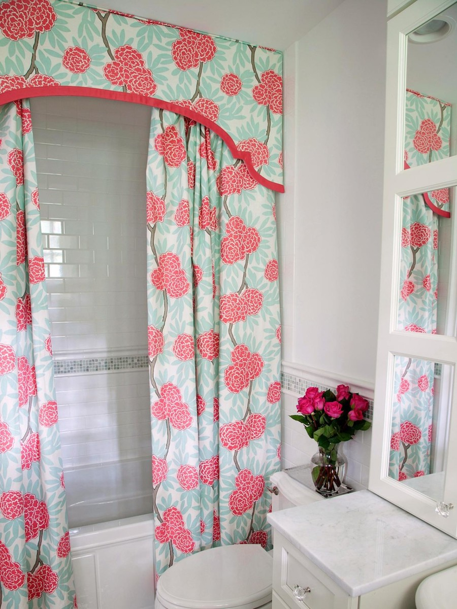Pink Floral Shower Curtain With Motive