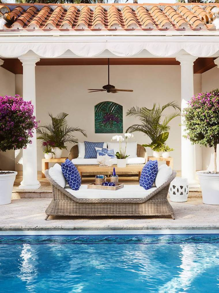 Poolside wicker lounge daybed