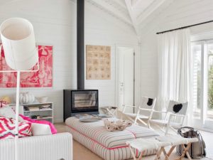 {pop of color} A Bright Portugese Apartment in Hot Pink & White