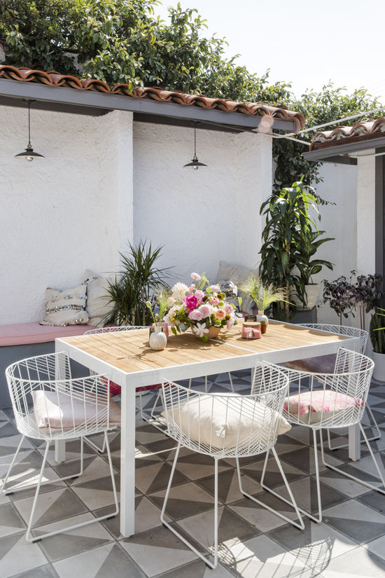 Metal outdoor chairs via Design Love Fest