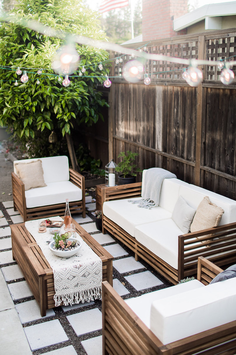 12 outdoor chairs perfect for summertime for Backyard living room ideas