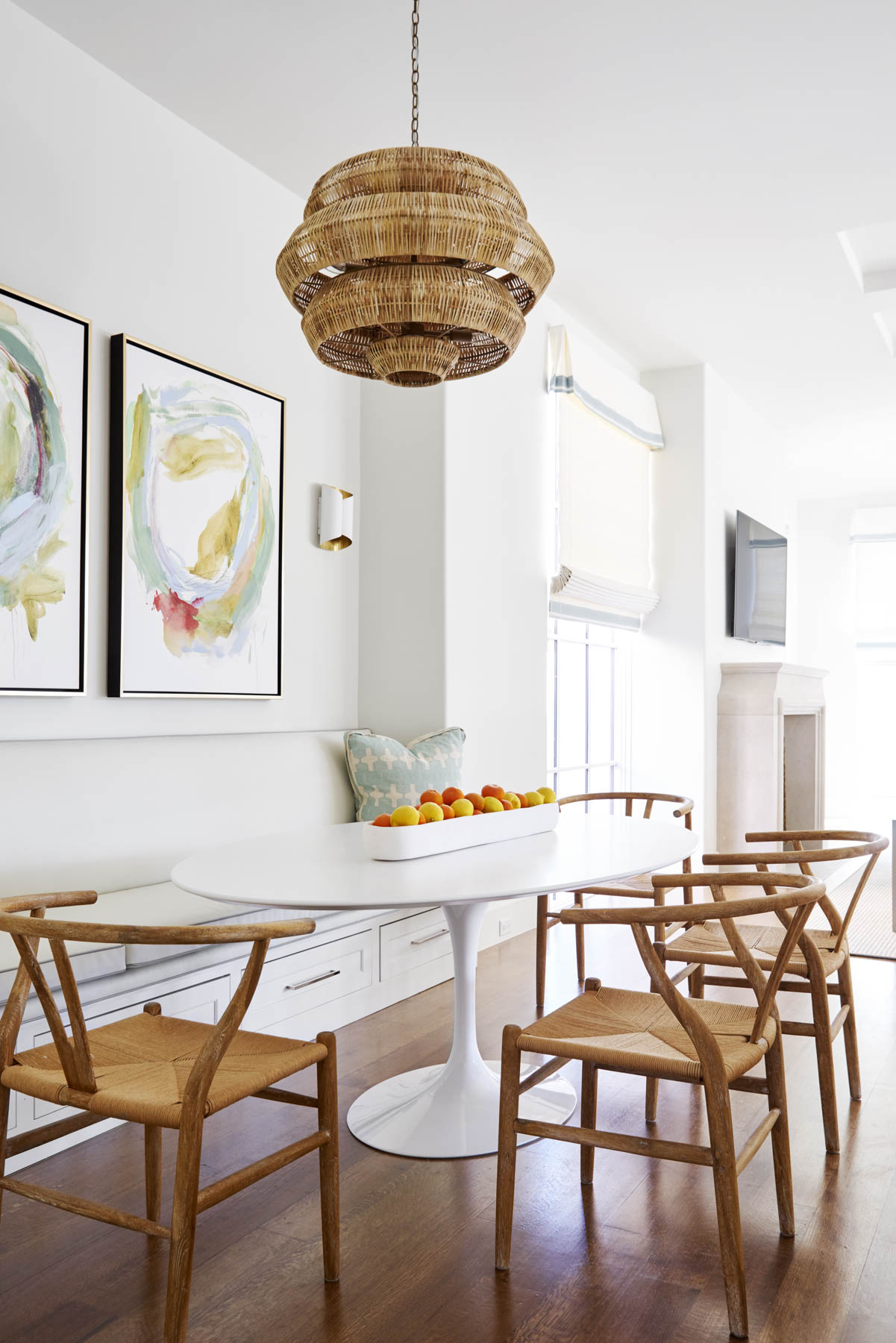 Dining Room with White Tulip Table and wishbone Chairs