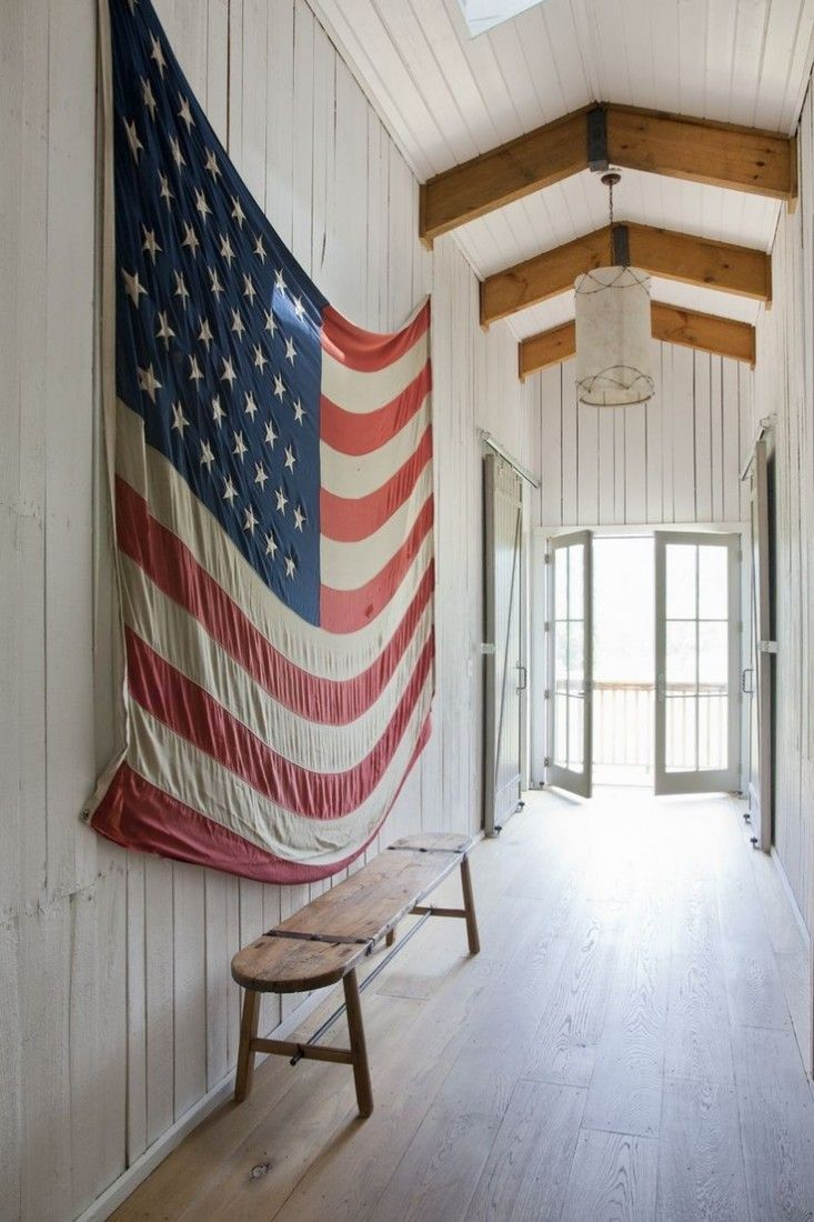 Vintage American flag - rustic decor ideas #rusticdecor