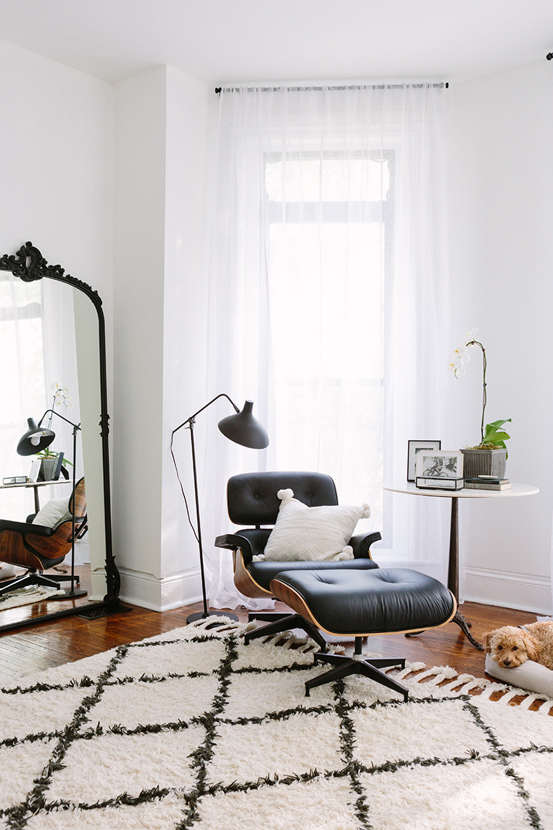 French-Inspired Bedroom Black 60s Sitting Chair