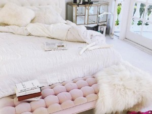 14 Fabulous End of Bed Benches for the Bedroom