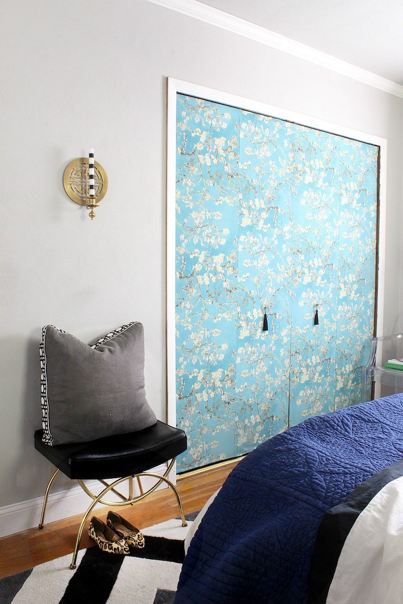 Diy Blue Wallpaper Closet Door 12 Amazing Ideas For Colorful Interior Doors