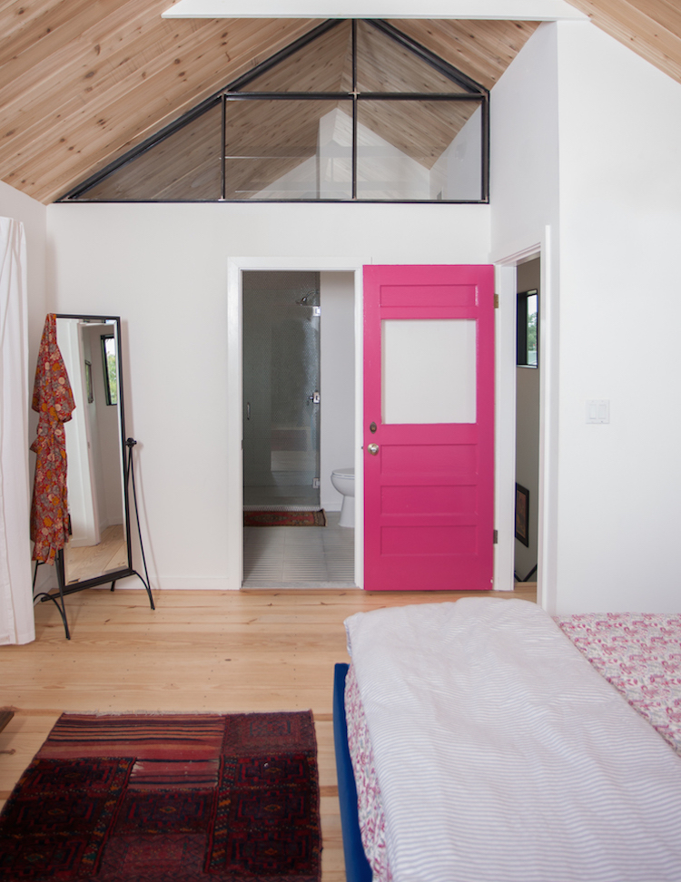 . 12 Amazing Ideas for Colorful Interior Doors