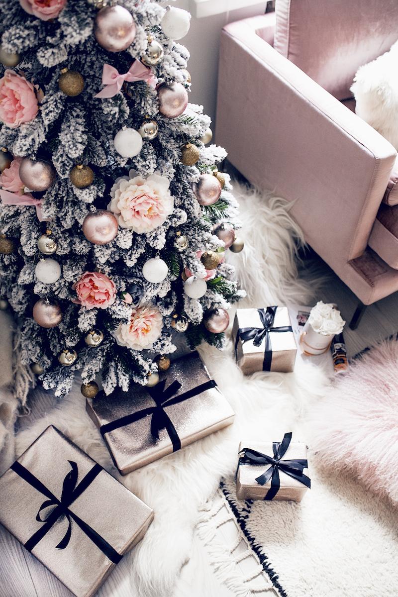 Alexa Dagmar Pink Christmas Tree