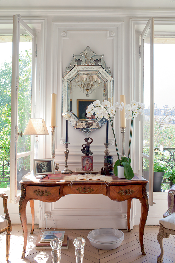 Parisian apartment with vintage French furniture