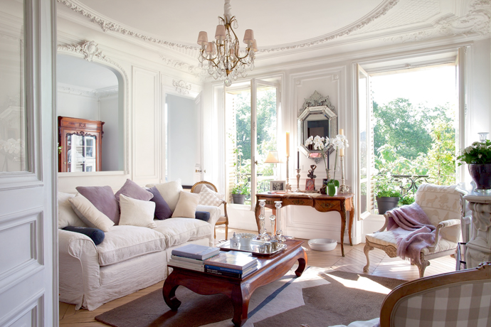 amazing french paris decor living rooms | {french interiors} A Vintage Elegant Parisian Apartment