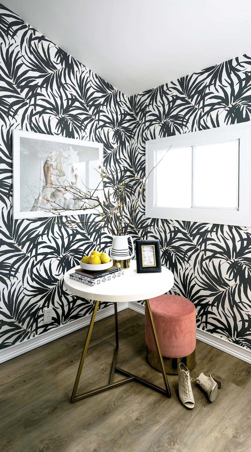 Black and white printed leaves wallpaper via Shelby Girard