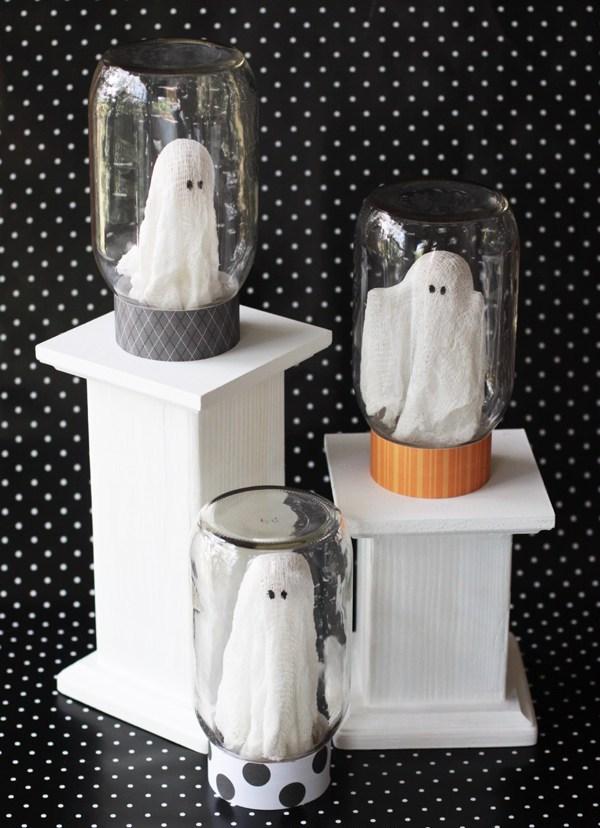 Ghosts In A Jar Halloween Craft DIY