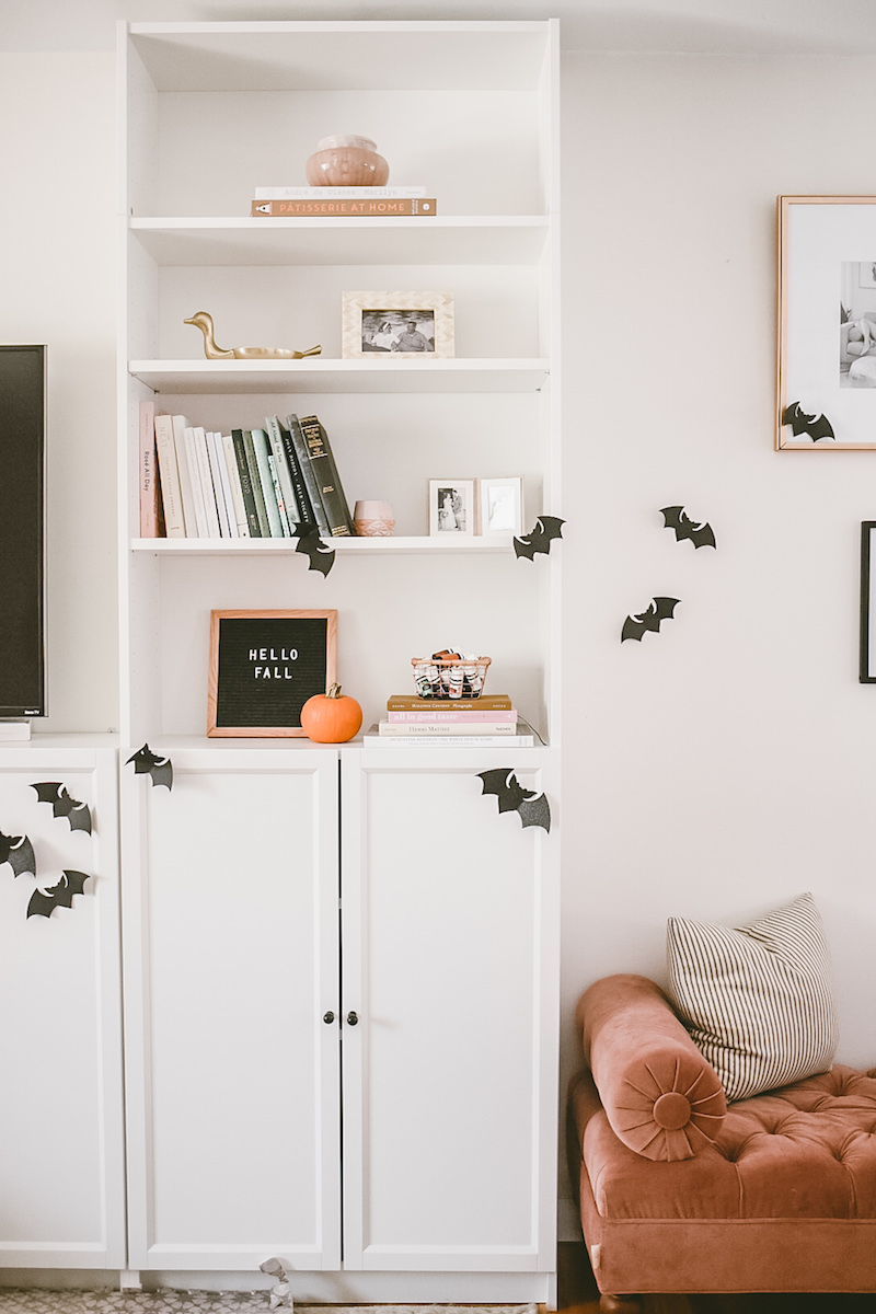 Halloween Decor Ideas: Paper Bats On Wall Via Mama Notes